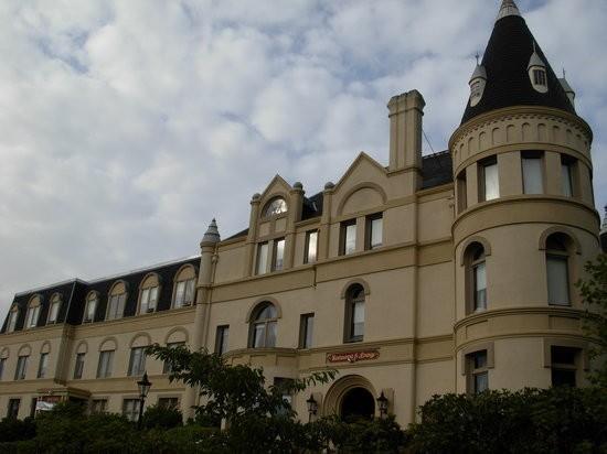 Manresa Castle